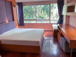 For RentCondoSukhumvit, Asoke, Thonglor : Condo for rent 49 Plus (Sukhumvit 49) 6th floor, size 3 bedrooms, near BTS Thonglor and Phrom Phong.