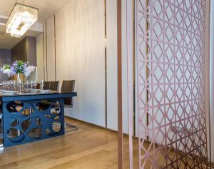 For RentCondoNana, North Nana,Sukhumvit13, Soi Nana : 📍 Very cheap price for rent, Hyde Sukhumvit 13, near BTS Nana, 3 bedrooms, rent only 55,000 baht / month 🔥