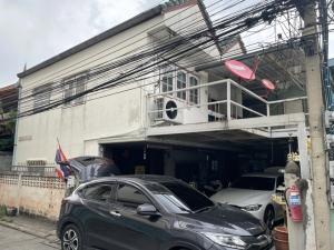 For SaleHouseChengwatana, Muangthong : 2 detached houses and land for sale Soi Chaengwattana-Pakkred 6