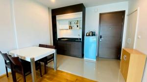 For SaleCondoAri,Anusaowaree : Condo in Aree area The Vertical Aree for sale 1 bedroom, 1 bathroom, 1 dressing room, high floor, beautiful room, good view.