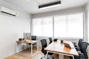 For RentOfficePattanakan, Srinakarin : New Officescape, Khlong Tan Intersection, Pattanakarn Soi 1, providing office for rent, Private Office, size 16-32 sq.m., starting price at 18,000 baht.