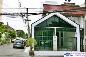 For RentTownhouseRamkhamhaeng,Min Buri, Romklao : อยู่ด้วยขายของได้ ให้เช่า Town Home รีโนเวทเหมือนสรา้งใหม่ทั้งหลัง แต่งสวย Style Loft เหมาะเป็นสำนักงานและที่พักอาศัย