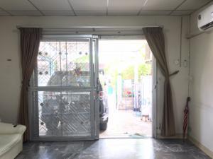 ขายทาวน์เฮ้าส์/ทาวน์โฮมมีนบุรี-ร่มเกล้า : (รหัส A09036404) ขายถูกๆ ด่วน !! ทาวน์เฮ้าส์พูนสินธานี 3 เคหะร่มเกล้า64 ลาดกระบัง เฟอร์ครบพร้อมอยู่