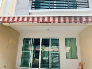 For SaleTownhouseYothinpattana,CDC : Sale with tenant Townhome Baan Klang Muang Ladprao 87 4,900,000