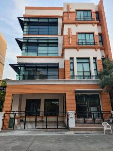 For RentOfficeChokchai 4, Ladprao 71, Ladprao 48, : Office for rent, 4-storey home office, Nak Niwat, Chokchai 4, along Ramindra Expressway, area 493 sqm.