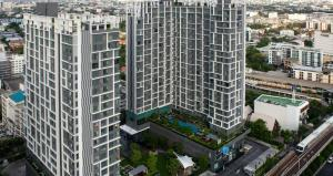 For SaleCondoOnnut, Udomsuk : Location is hard to find, good price!! Sell 2 bedrooms 55.52 sq.m., new room, never lived like the first hand, only 6.4 million @Ideo Mobi Sukhumvit 81