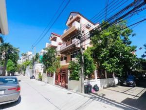 For RentHouseSukhumvit, Asoke, Thonglor : 4 storey detached house for rent on Sukhumvit 31, fully furnished, near BTS Phrom Phong and Emporium.