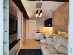 ขายคอนโดเกษตรศาสตร์ รัชโยธิน : For Sale!!!! (Owner sale)Condo Centric Scene Ratchavipha 1 Bedroom/ 1 Bathroom/ 1 Living Room/ 1 kitchen all fully-furnished with electronic equipments