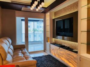 For SaleCondoKasetsart, Ratchayothin : For Sale!!!! Condo Centric Scene Ratchavipha 1 Bedroom/ 1 Bathroom/ 1 Living Room/ 1 kitchen all fully-furnished with electronic equipments