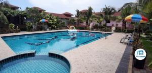 For SaleBusinesses for salePattaya, Bangsaen, Chonburi : Pattaya resort, size 2-2-23 rai with 3 new single houses, 67.5 square wah, for sale together, Nong Palai, Bang Lamung, Chonburi