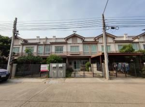 For SaleTownhouseRamkhamhaeng,Min Buri, Romklao : Townhouse for sale Indy Srinakarin-Romklao close to the airport, housing, Romklao.