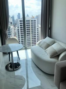 For RentCondoNana, North Nana,Sukhumvit13, Soi Nana : Hyde 11 / Room in Modern Minimal / with a cool central area for only 16,000! 😁🔥
