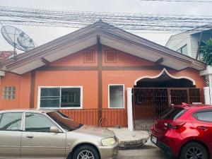 For SaleTownhousePattanakan, Srinakarin : House for sale, detached house for sale, 40 sq m. ) 🌈 Soi Athlete Laemthong 5