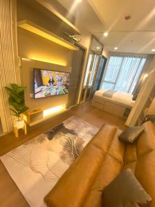 For RentCondoAri,Anusaowaree : For rent, studio room, 29 sq m. Very beautiful decoration, IDEO Q Victory, can make an appointment to see the real room every day. Call 062-339-3663