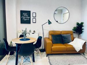 For RentCondoWitthayu,Ploenchit  ,Langsuan : Life One Wireless for rent, new condo, fully furnished, Witthayu Rd., BTS Ploenchit: 450 meters