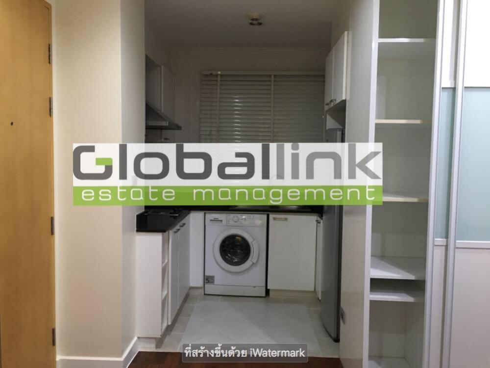 For RentCondoSilom, Saladaeng, Bangrak : Big room, cheap price The best is worth it 👍👍 (GBL0176) Room For Rent Project name: Baan Siri Srilom / Baan Siri Silom