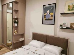 For RentCondoSukhumvit, Asoke, Thonglor : 🔥New room ready to move in soon🔥 Oka Huse 1 bed 35 sq m. Beautiful decorated room, complete electrical appliances.
