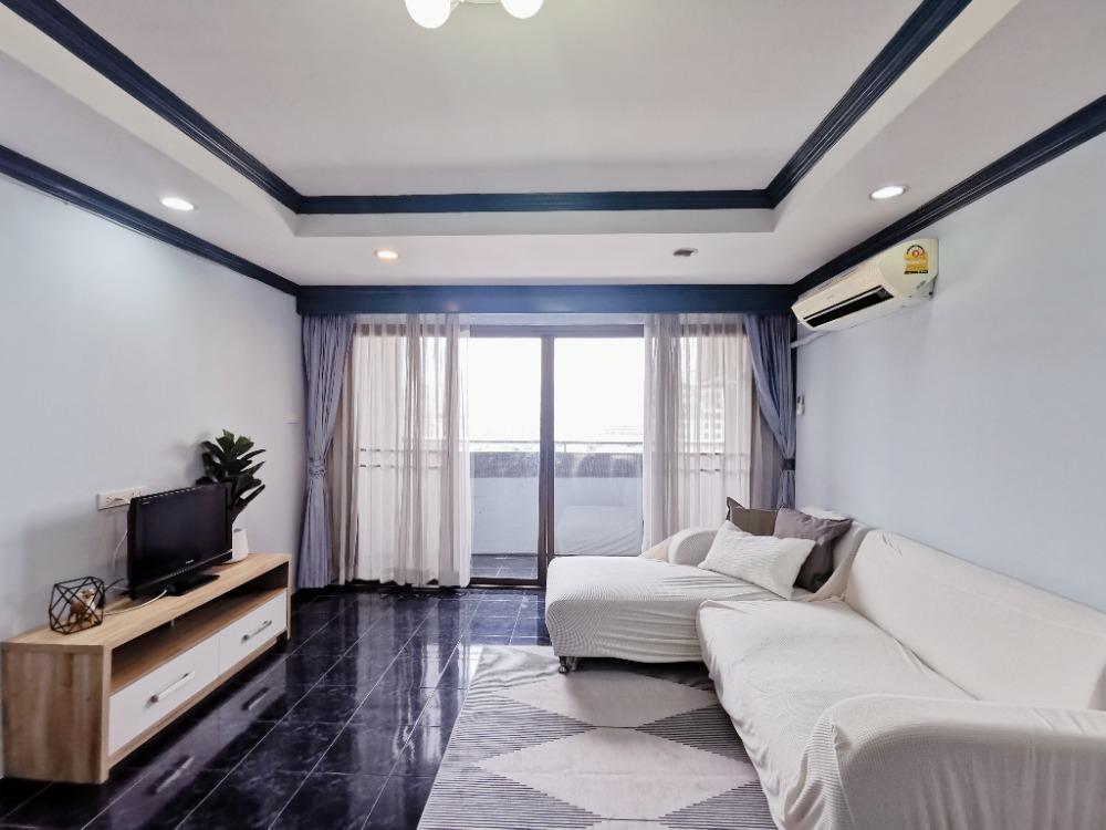 For RentCondoRatchadapisek, Huaikwang, Suttisan : pet welcome big space 70 sqm 1 bedroom condo at Huai Khwang, Ratchada, MRT Huai Khwang