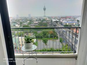 For RentCondoSamrong, Samut Prakan : For rent : Knightsbridge Sky River Ocean