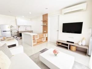 For RentCondoPattanakan, Srinakarin : For Rent Element Condo Srinakarin 2 bedrooms  2 bathrooms 62  sqm. Near Seacon Square