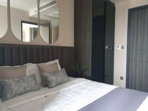 For RentCondoSukhumvit, Asoke, Thonglor : Ashton Asoke for rent, very beautiful view, high floor, fully furnished.