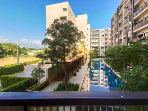 For RentCondoChiang Mai : For rent, The Issara Condo, Chiang Mai, pool view. Near Meechok Plaza