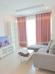 For RentCondoRatchadapisek, Huaikwang, Suttisan : The last room of Building 1, Supalai Wellington, 2 floors, top floor, street view, convenient to walk, complete furniture
