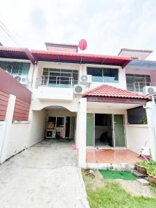 For SaleTownhouseSamrong, Samut Prakan : Townhome for sale, Den Chai Village, Soi Mangkon, Praksa, good price, 27 sq.w., 2 floors, 3 bedrooms