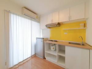 For RentCondoSeri Thai, Ramkhamhaeng Nida : TC-9137 for rent, Lumpini Ville, Ramkhamhaeng 60/2, corner room, built-in, whole room There is a washing machine available.