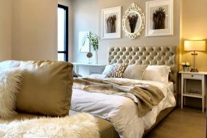 For RentCondoSukhumvit, Asoke, Thonglor : 💥💥ห้องสวยเวอร์ ((ห้องใหม่ เฟอร์ใหม่)) ชั้น42 ***Ashton Asoke*** Modern Luxury Room Fully Furnished 42nd Floor City View,Ready to move in.