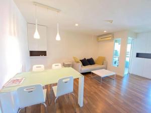 เช่าคอนโดอ่อนนุช อุดมสุข : 🔥🔥🔥ลดพิเศษสุด ราคานี้หาไม่ได้แล้ว 🔥🔥🔥🔥           ทำเลดี BTS ONUT 200 เมตร  🔥🔥🔥🔥18,000 🔥🔥🔥🔥( GBL0849) ROOM FOR RENT  🔥 Hot Price 🔥Project name : THE ROOM79 ( sukumvit79) ✅ Bedroom : 2✅ Bathroom : 1✅ Area : 59  sqm✅ Floor : 8✅ Building : B✅Rent price  : 18,