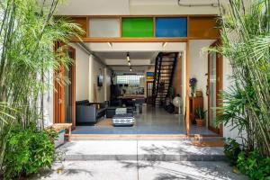 For RentTownhouseNana, North Nana,Sukhumvit13, Soi Nana : Townhome for rent near BTS NAna Sukhumvit beautiful decorated 4 bedrooms 80k