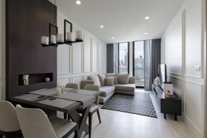 For RentCondoWitthayu,Ploenchit  ,Langsuan : For rent >> Noble Ploenchit 1 bedroom 57 sqm. City view.