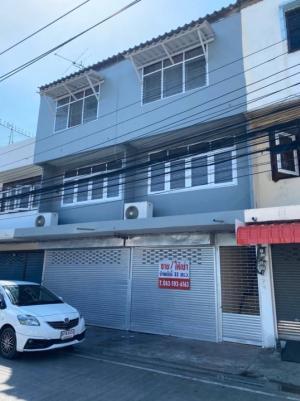 For SaleShophouseSamrong, Samut Prakan : Rent / sale 3-storey commercial building, 2 booths, near BTS Paknam