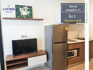 For RentCondoChokchai 4, Ladprao 71, Ladprao 48, : For rent Atmoz Ladprao 71 1bed, size 24 sq.m., separate kitchen, 2nd floor and lake, ceiling height 2.40 meters, new room, easy access through many ways, both along the Ramintra Expressway. Ladprao and Agriculture The project page has 7-11. Close to Centr