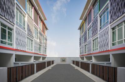 ขายทาวน์เฮ้าส์/ทาวน์โฮมอ่อนนุช อุดมสุข : ขาย ทาวน์โฮม ฮอลล์มาร์ค 2 เพรสทีจ สุขุมวิท 64, 4 ห้องนอน สามารถใส่ลิฟท์ ในตัวบ้านได้!!!
