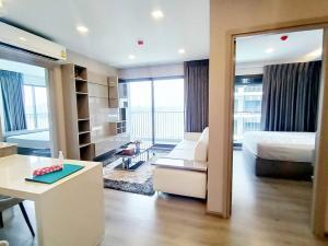 For RentCondoRattanathibet, Sanambinna : Condo for rent The Politan Breeze, 6th floor, near MRT Phra Nang Klao, 61 sqm., Nonthaburi