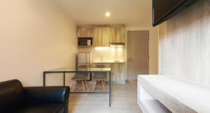 For RentCondoOnnut, Udomsuk : @BTS Ekkamai - Pet Friendly  - 1 Bed 1 Bath  - 35 Sqm - 17,000 THB Negotiable