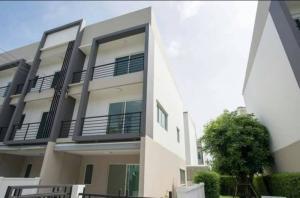 For SaleTownhousePattanakan, Srinakarin : For Sale : A brand new townhouse in Onnut 17, Corner Unit