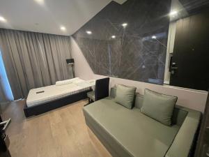 For RentCondoSiam Paragon ,Chulalongkorn,Samyan : Rent Ashton Chula-Silom Studio 18,000 baht.
