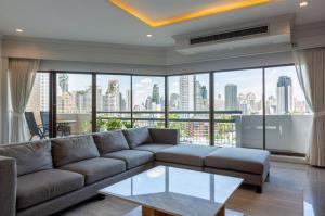 For SaleCondoSukhumvit, Asoke, Thonglor : Newly Renovated Spacious Unit at Castle Hill Mansion for Rent or Sale