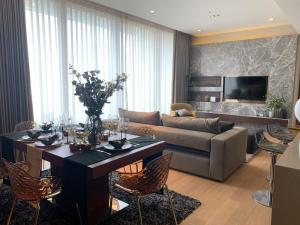 For RentCondoSilom, Saladaeng, Bangrak : For Rent Luxury Condo near MRT Lumpini/Silom & BTS Saladaeng