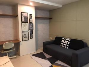 For SaleCondoRatchadapisek, Huaikwang, Suttisan : 🏢 Sell a brand new renovated room Condo Ratchada City Ratchada 18, Petch Building 🚆 near MRT Suthisan Station and Huai Khwang Station