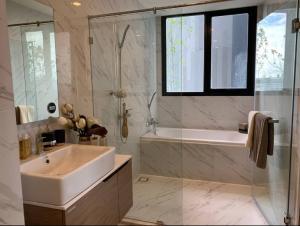 For SaleCondoBangna, Lasalle, Bearing : Dio Mobi Sukhumvit East Point 2 bedrooms 2 bathrooms 57 sq m. Sell 6.2xx million baht.