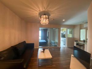 For RentCondoOnnut, Udomsuk : ❤️ Beautiful room, good price, super discount 250 meters bts onnut ❤️( GBL0710) Room For Rent 🔥 Hot Price 🔥Project name : Theroom79 ( sukumvit79 )✅ Bedroom : 1 ✅ Bathroom : 1✅ Area : 38 sqm✅ Floor : 9✅ Building : c✅Rent price : 13,500 ✅ Ready to move ✅ Fu