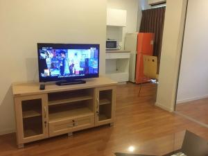 For RentCondoPinklao, Charansanitwong : Condo for rent, Lumpini Borom 35, Taling Chan, size 28 square meters, furniture + electrical appliances, according to the picture, 6th floor, rent 8,000 baht, interested in Wit 0942392481