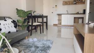 เช่าคอนโดลาดกระบัง สุวรรณภูมิ : ให้เช่า Airlink Residence ใกล้สนามบินสุวรรณภูมิ 1 ห้องนอน 1 ห้องน้า 1 ห้องนั่งเล่น 1 ห้องครัว ขนาด 36 ตรม.