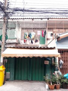 For RentTownhouseRatchathewi,Phayathai : บ้านเช่า ซ.พร้อมพรรณ ถ.ประชาสงเคราะห์ ดินแดง ใกล้ประตูน้ำ อนุสาวรีย์ชัย เย็บผ้า ค้าขาย เดินทางสะดวก