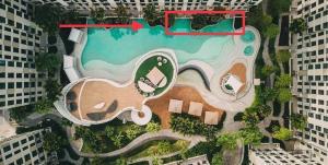 ขายคอนโดบางนา แบริ่ง : ลดเป็นล้าน ห้อง Duplex 70.55 sq.m. ติดสระ ระเบียงเดินลงสระได้เลย เหมือนอยู่รีสอร์ทที่หัวหินไม่มีผิด
