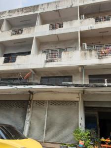 For RentShophouseChengwatana, Muangthong : Commercial building for rent, Pak Kret market 3. 5 floors, 15 sq. Wa, 180 sq m., Can trade 20000 baht / month.